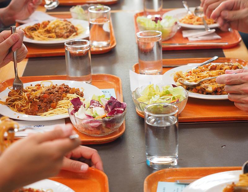 Participation au repas de cantine
